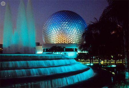 EPCOT Center: Spaceship Earth in 1982